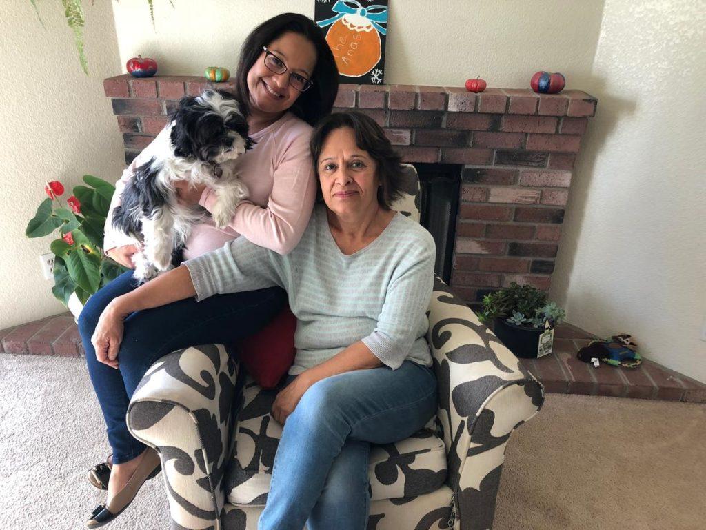 Valenzuela with her daughter Ana Sanchez Valenzuela