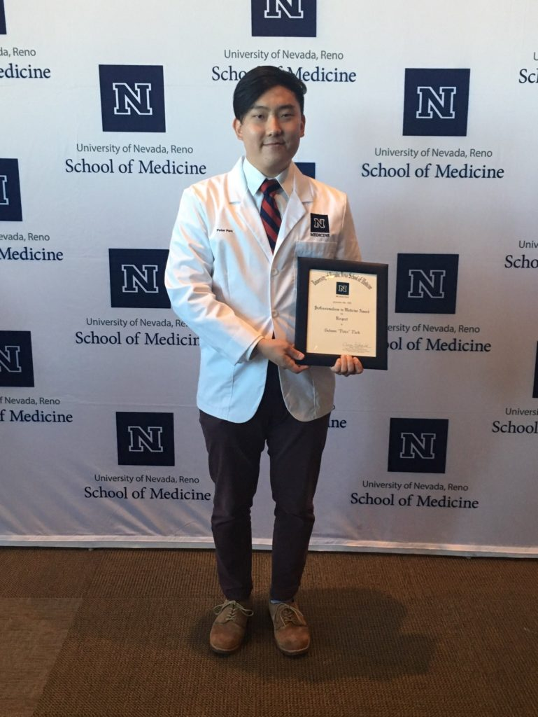UNR medical student holds professionalism award